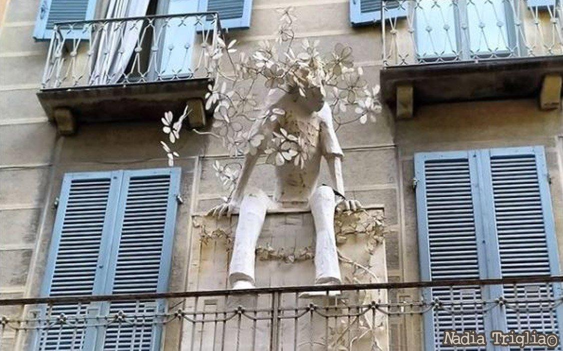Cremona, l'arte fiorisce tra i balconi