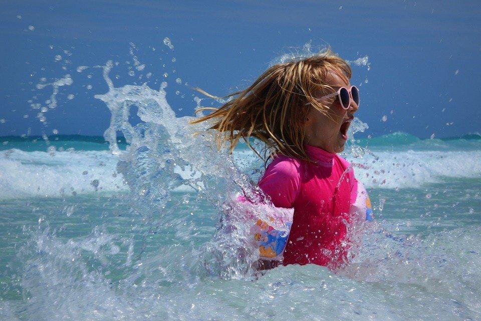 costumi da mare e piscina per bambina
